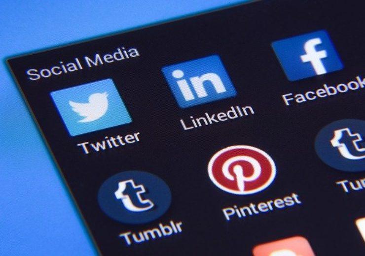 Impeccable Advantages of Using Social Media